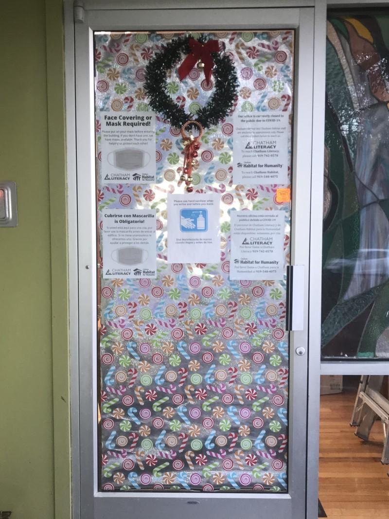 6-business wreath door